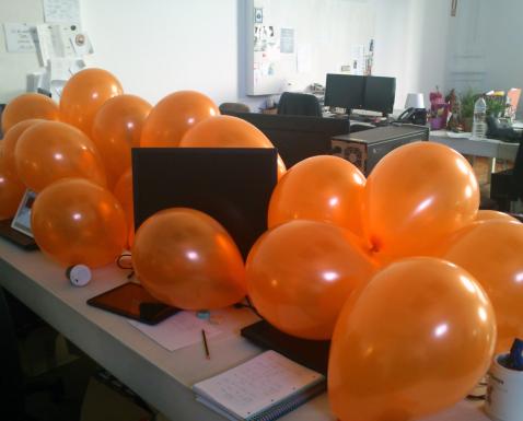 Balloons cobering Computer